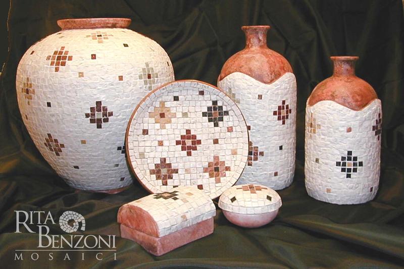 Vasi terracotta decorazione mosaico marmo - Decorare vasi terracotta ...