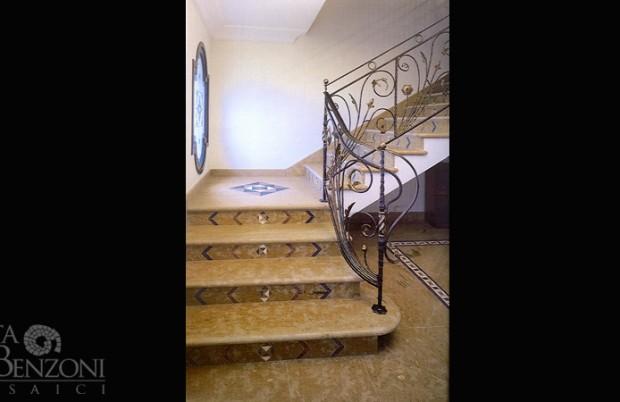 Scala classica marmo mosaico