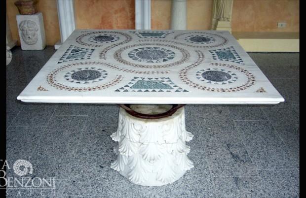 Tavolo marmo intarsio mosaico