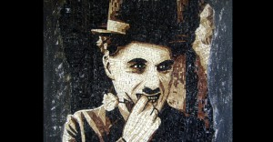 Charlie Chaplin ritratto mosaico marmo Rita Benzoni