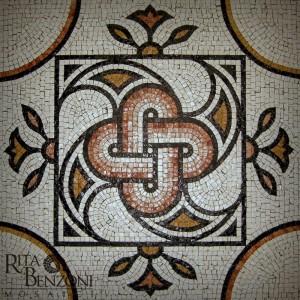 Nodo di Salomone . Mosaico in marmo