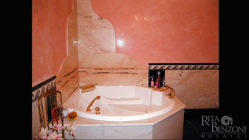 Bagno Con Mosaico Rosa : Stanze da bagno in marmo e mosaico rivestimento e decorazione